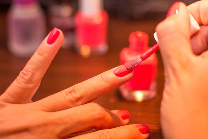 Рейтинг ТОП 7 лучших гель-лаков для ногтей: какой выбрать, характеристики, цена